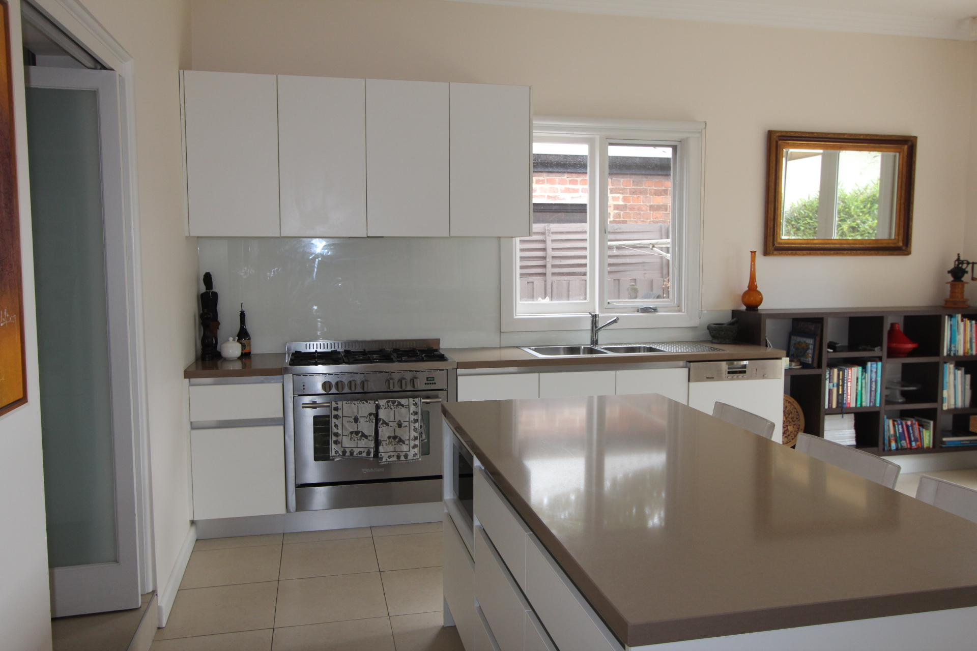 CHARMING FURNISHED HOME IN THE HEART OF KENSINGTON- 6 MONTHS LEASE
